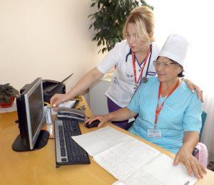 Dna Alina Sologub, alături de colega sa - dna Ludmila Șendrea